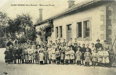 L'école de Saint-Gence vers 1920. Photo collection privée.